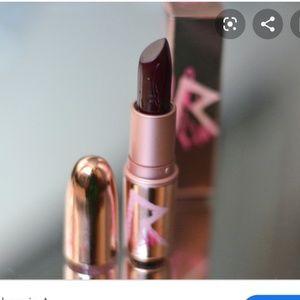 MAC x RIRI lipstick